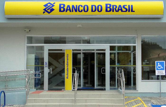 Banco do Brasil reduz quadro e fecha 361 unidades