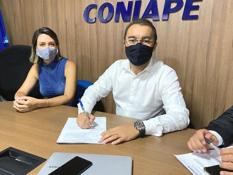 Após renúncia e retirada de Santa Cruz do Capibaribe, Edilson Tavares assume a presidência do Coniape