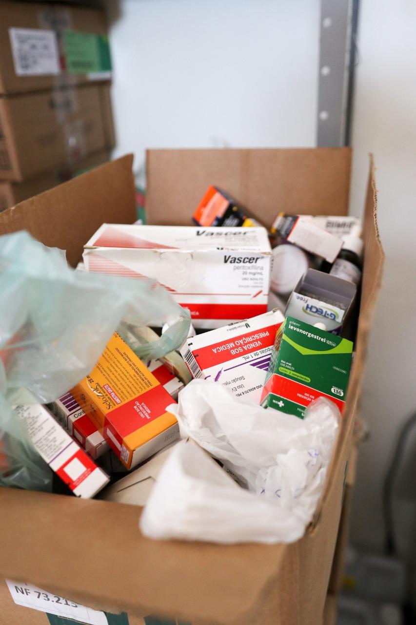 Em plena pandemia, ex-secretário de saúde deixou álcool em gel e medicamentos vencidos em Brejo da Madre de Deus