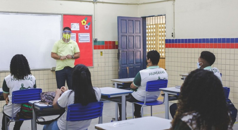 Liberadas aulas presenciais nas escolas municipais de Pernambuco, por etapa, a partir de 1º de março