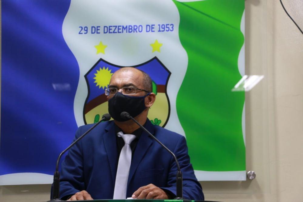 """""""Irmão Soares veio do povo e para representar o desejo do povo"""", diz Soares em seu discurso de abertura de mandato"""
