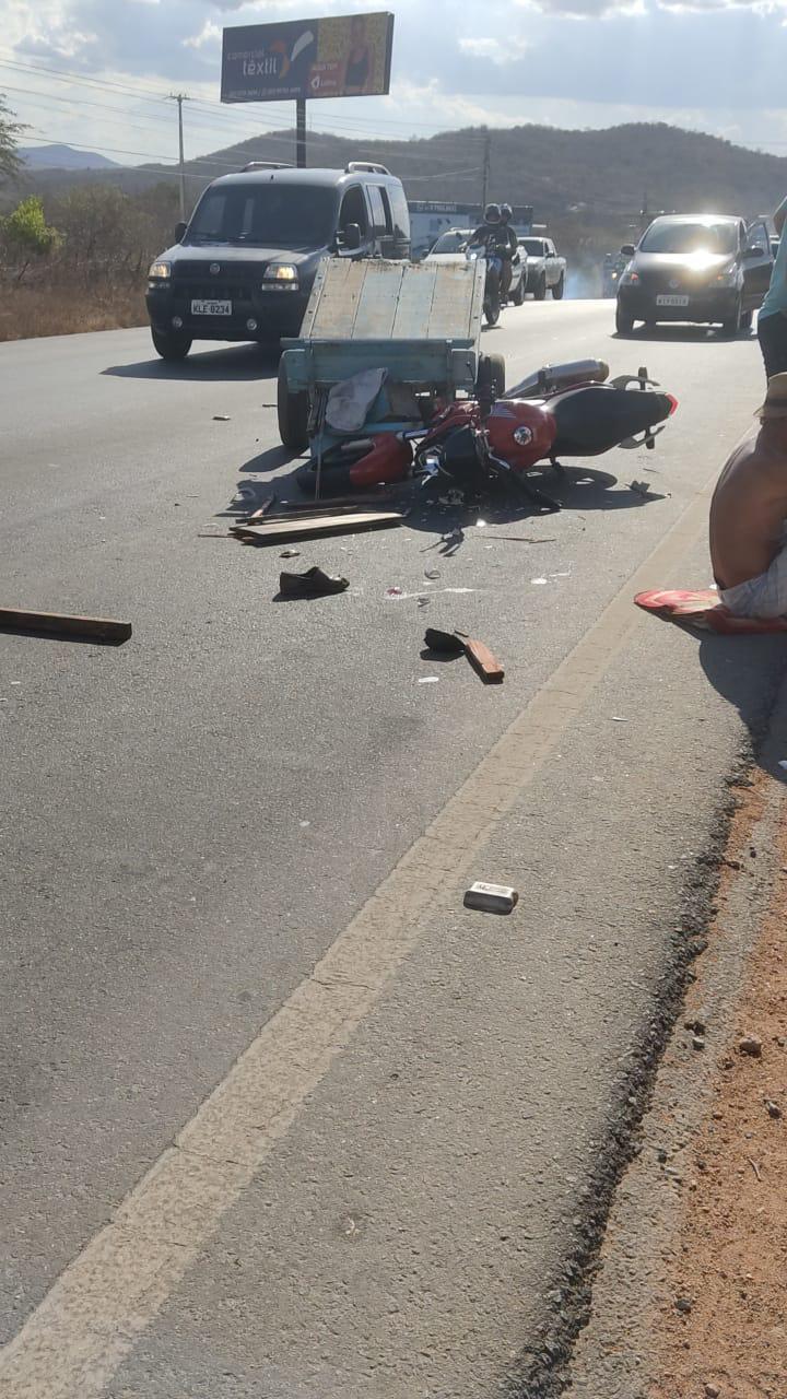Acidente de trânsito deixa homem ferido na PE-160, em Santa Cruz do Capibaribe