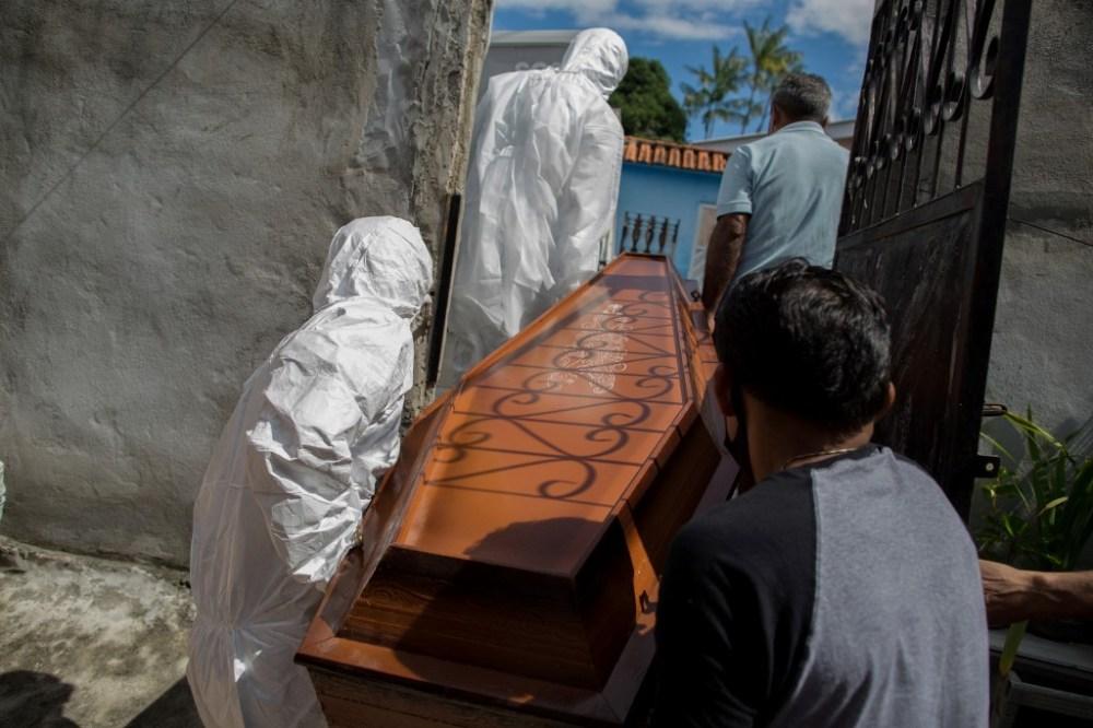 Com recorde em mortes e em casos este ano, Pernambuco registra 60 óbitos e 2.482 infecções