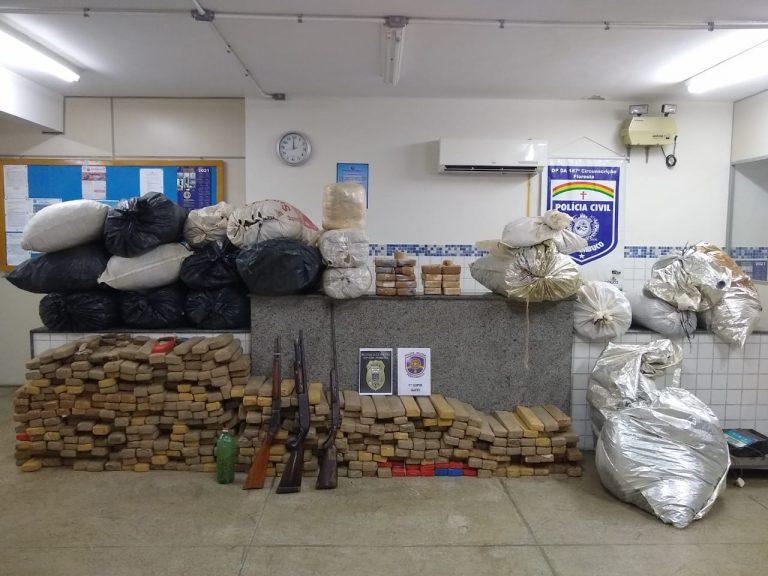 Operação policial realiza grande apreensão de drogas e armas em esconderijo subterrâneo