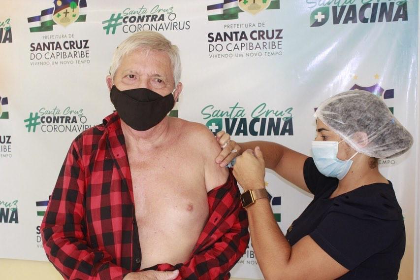 Vacinação de idosos com 78 anos ou mais acontecerá neste domingo