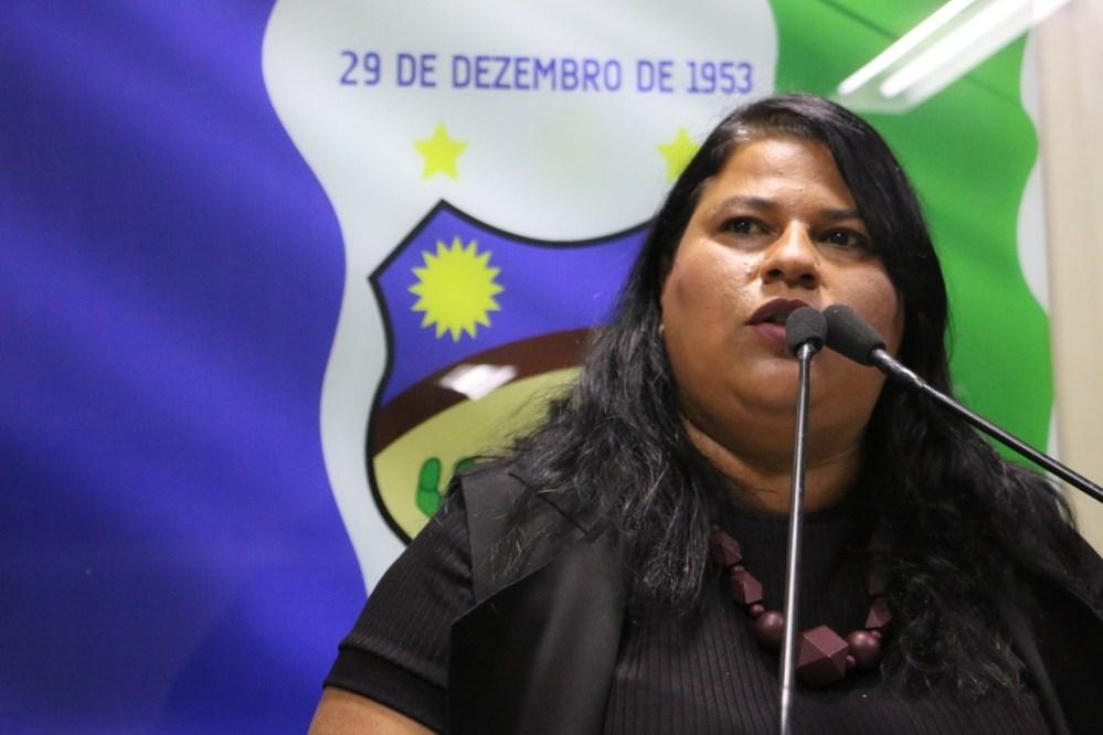 """""""É lamentável ainda presenciar situações como essas"""", diz Jéssyca Cavalcanti sobre caso de animal vítima de maus-tratos"""