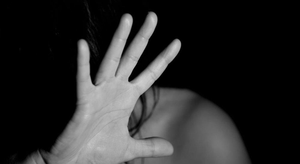 Mulher é espancada e morta pelo companheiro em Gravatá