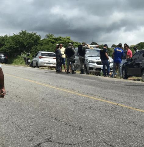 Padrasto mata enteada e comete suicídio em Angelim, diz polícia; corpos foram encontrados dentro de carro às margens da PE-177