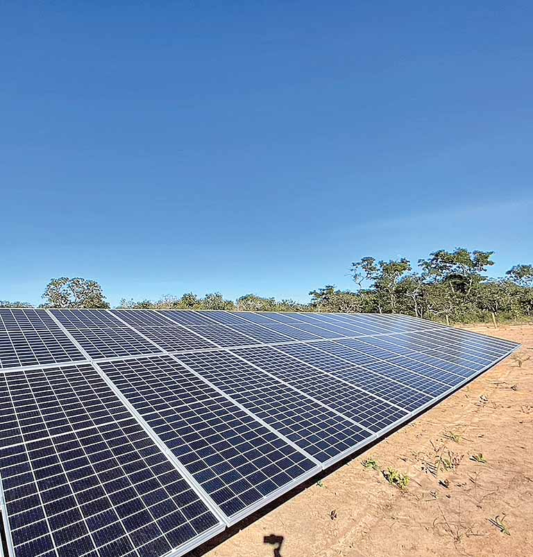 Lobby bilionário de distribuidoras de energia ameaça uso de energia solar no Brasil