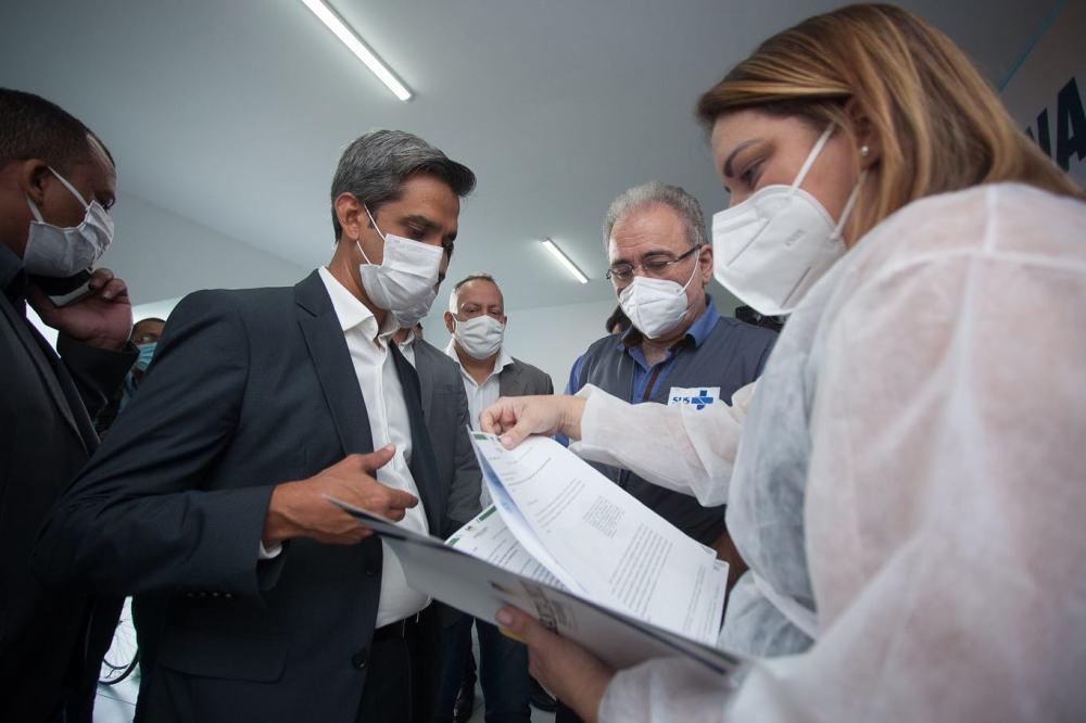 Ministros do Turismo e Saúde visitam Santa Cruz do Capibaribe e avaliam situação da Covid-19