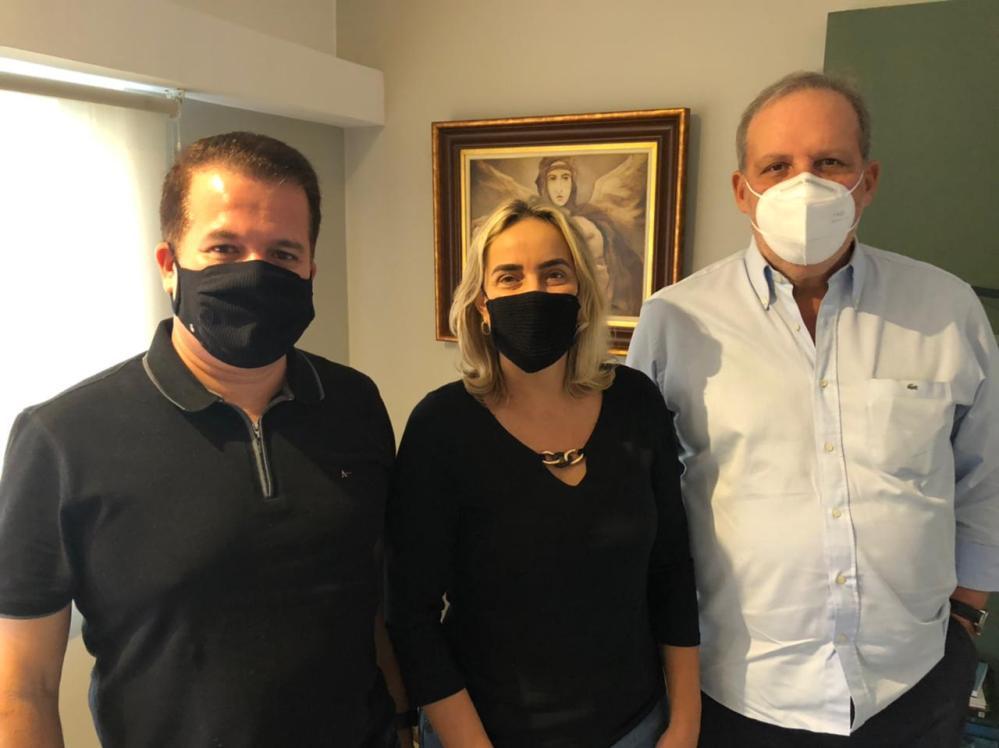Armando encontra Alessandra Vieira e Edson Vieira