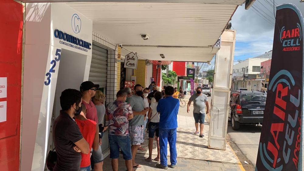 Santa Cruz do Capibaribe – Clientes reclamam da má qualidade do atendimento no Itaú