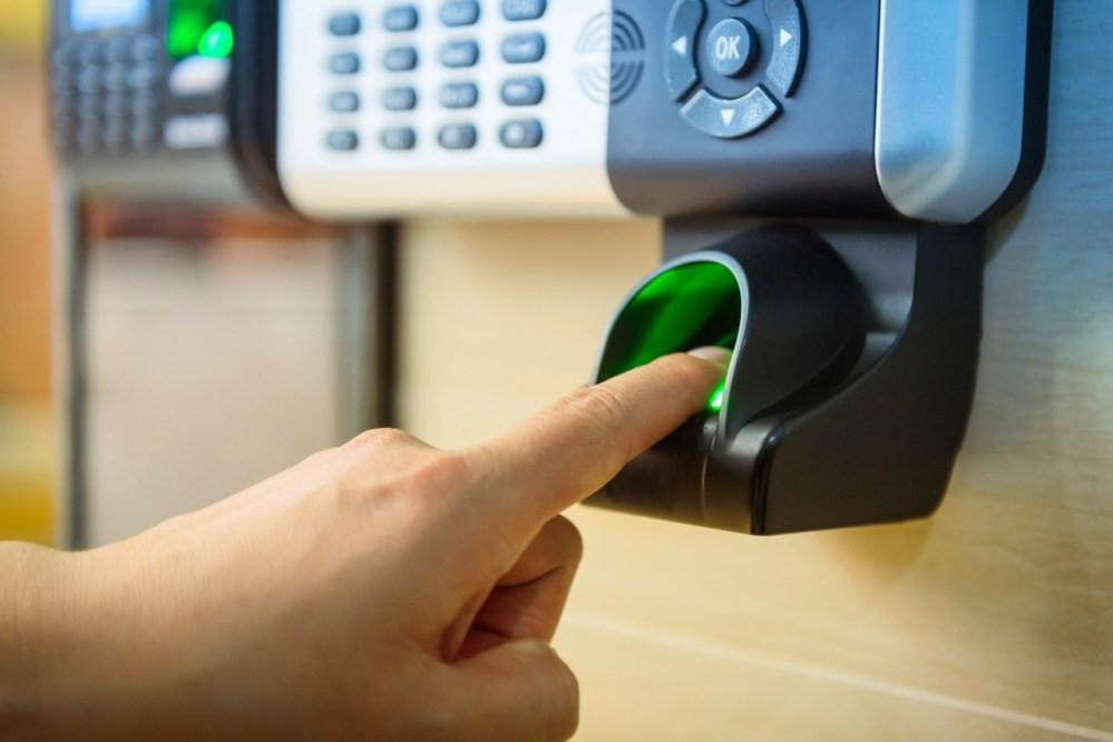 TCE determina que Câmara de Vereadores de Santa Cruz do Capibaribe aplique mais rigor em ponto eletrônico para monitorar frequência de servidores