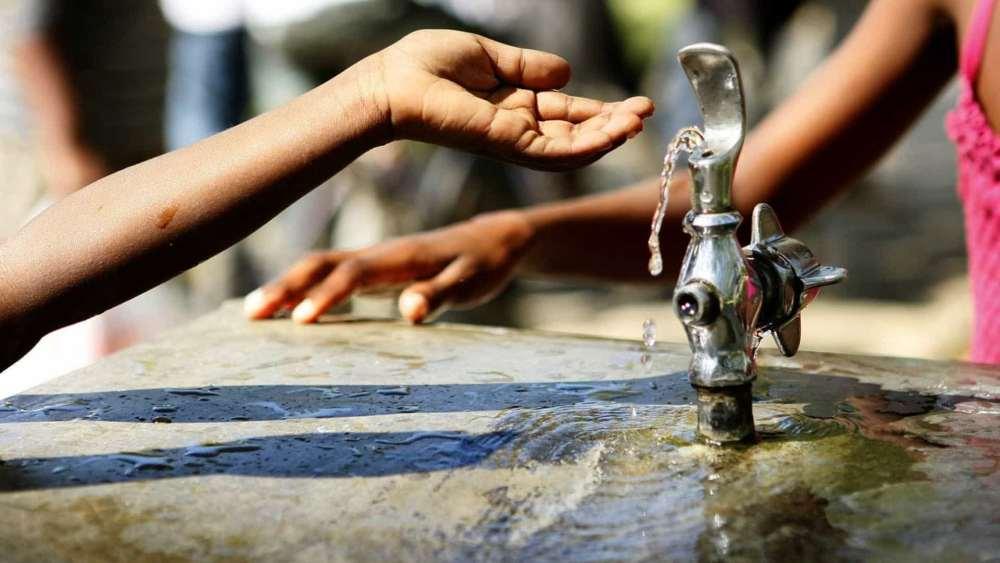 Justiça dá 15 dias para que Compesa regularize abastecimento de água em Santa Cruz do Capibaribe