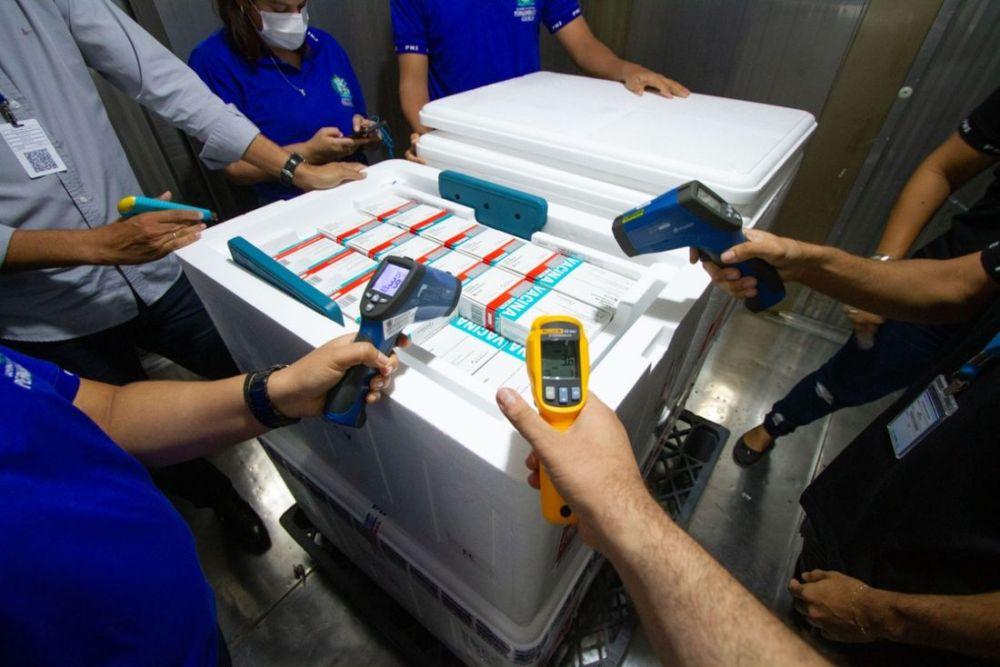 Pernambuco recebe 244 mil novas doses da vacina AstraZeneca/Fiocruz