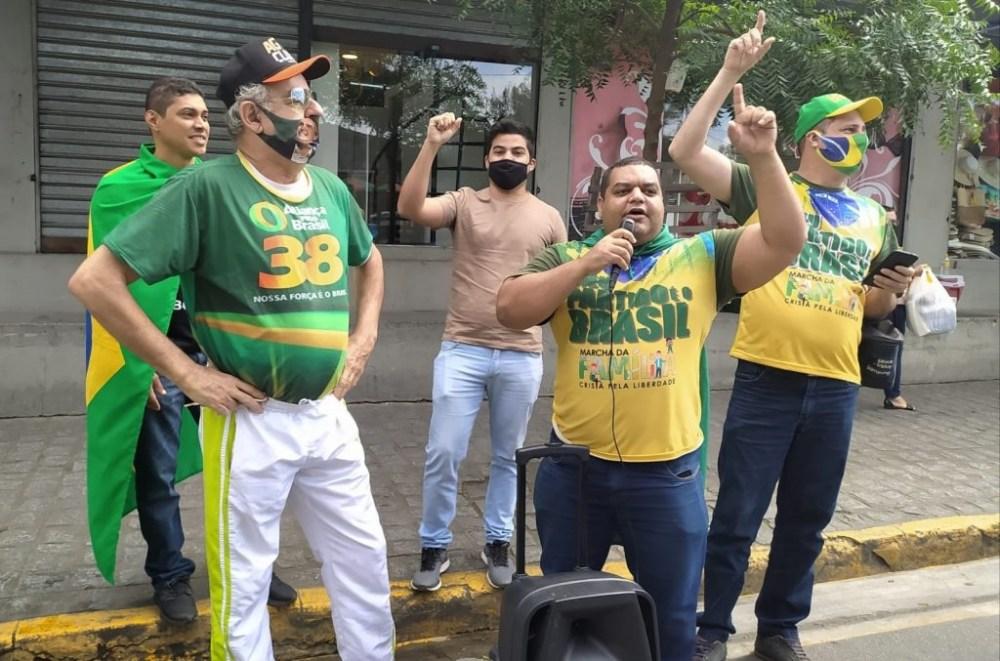 Apoiadores de Jair Bolsonaro realizam protesto contra presença de Doria em Caruaru
