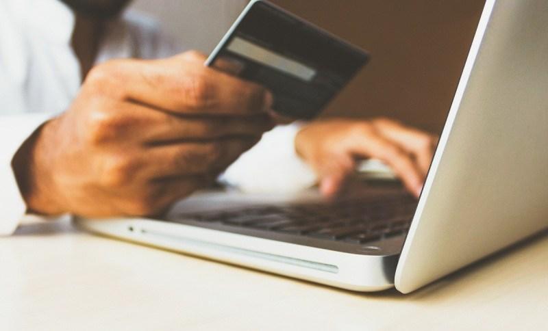 Governo anunciou aumento temporário de IOF sobre operações de crédito que valerá até 31 de dezembro, para financiar programa social