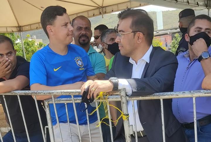 Prefeito Edilson Tavares e vice são ignorados por comitiva do presidente em Toritama