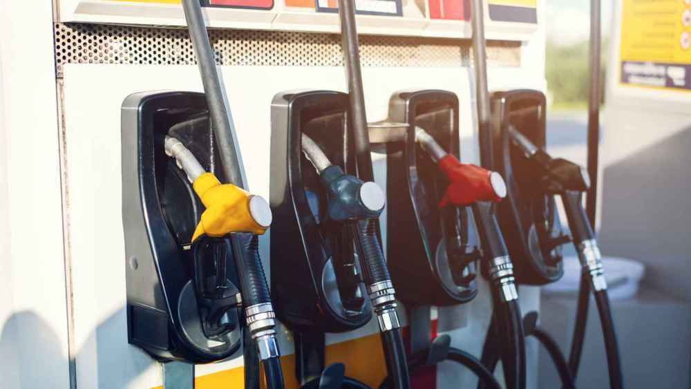 Postos são autuados em Santa Cruz do Capibaribe por fornecerem menos combustível do que o mostrado nas bombas