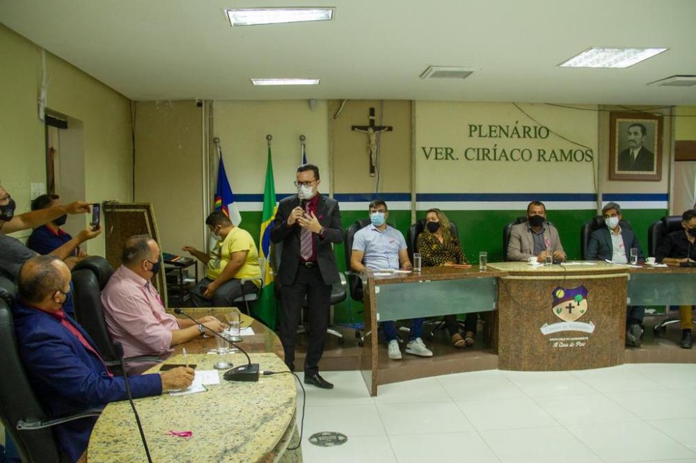 Dívidas de curto e longo prazo da prefeitura de Santa Cruz do Capibaribe ultrapassam 350 milhões, aponta gestão