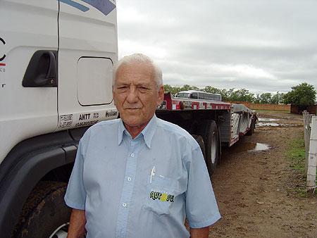 Francisco Lopes largou o volante por dois anos, mas não aguentou a vida de aposentado, voltou para a estrada e não pensa parar tão cedo