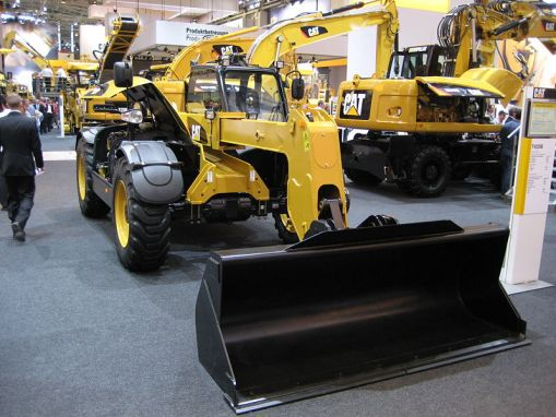 800px-Bauma_2007_Telescopic_Handler_Caterpillar_1