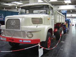 AK 380, de 1968, equipado com um poderoso motor Krupp-Cummins V8 de 265 hp