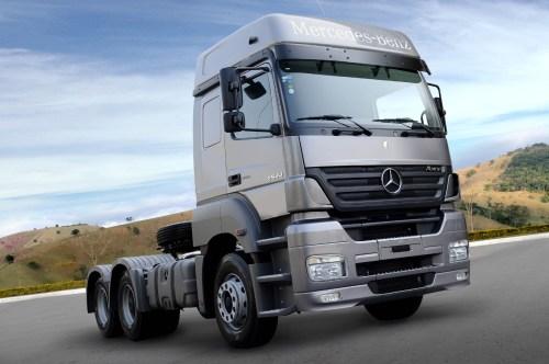 Mercedes-Benz lança série comemorativa do caminhão pesado Axor 2544