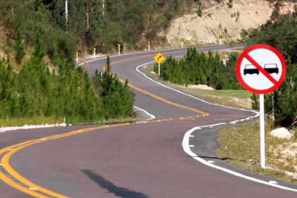 Pavimentação de rodovias.