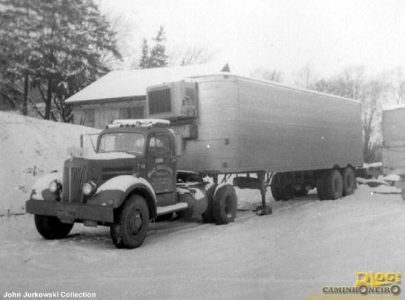 caminhao-1950-na-neve