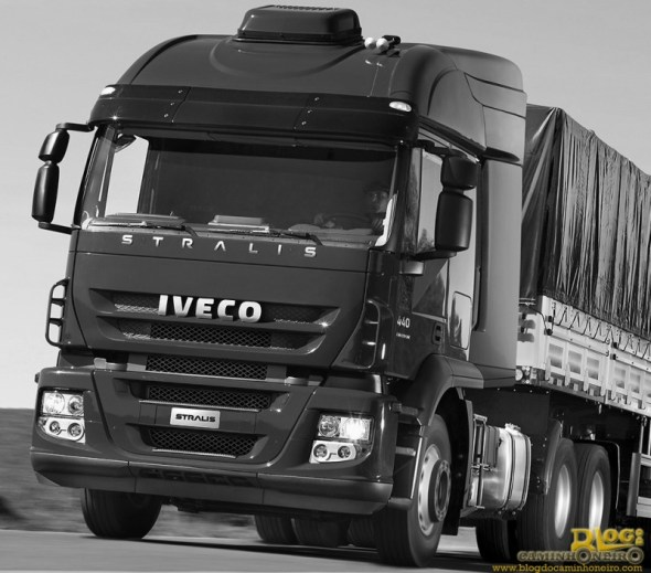 Iveco_Stralis_440_6x4_AT