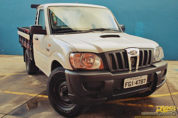 Mahindra Pik-up (4)