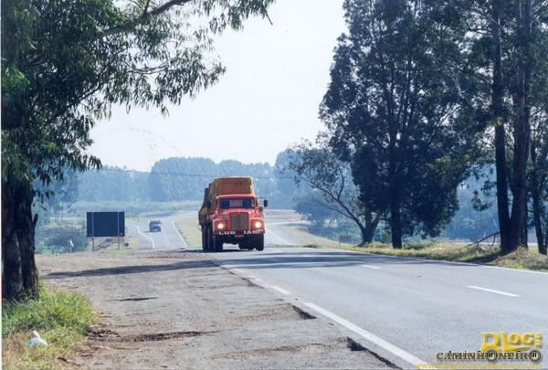 Carreta Scania 111
