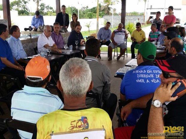 Ministro Antônio Carlos Rodrigues se reúne com caminhoneiros em Itabaiana