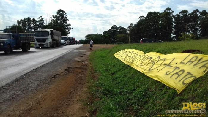 protesto caminhoneiros rio grande do sul (1)