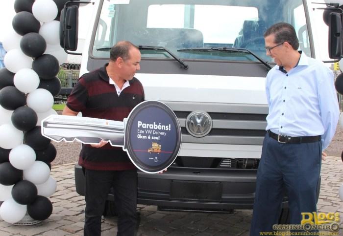 caminhao volkswagen delivery premio almax