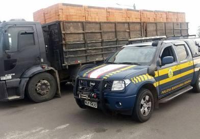 PRF flagra mais de 10 mil kg de excesso de peso em apenas um caminhão na BR 101-SC