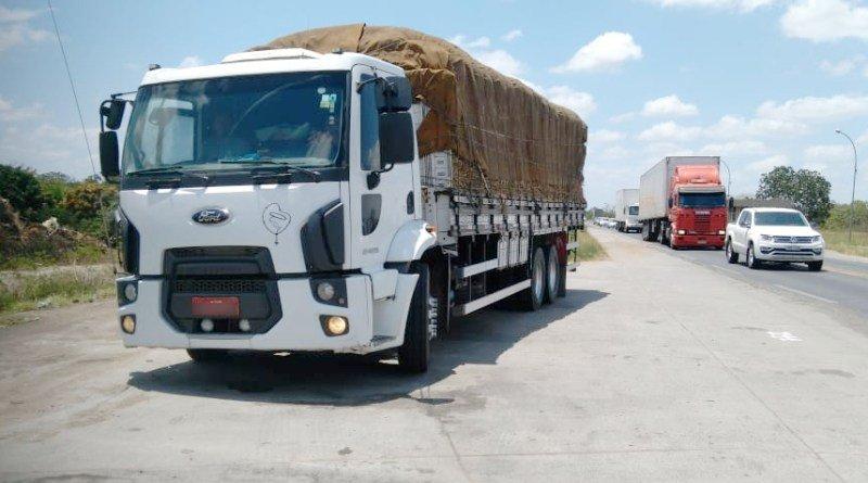 PRF recupera caminhão em Feira de Santana-BA roubado há quatro anos