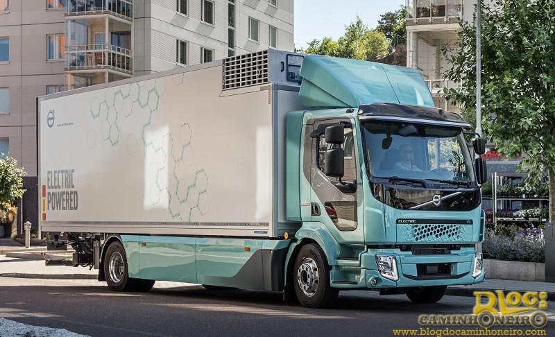 Volvo faz sua primeira entrega de caminhões elétricos na Europa
