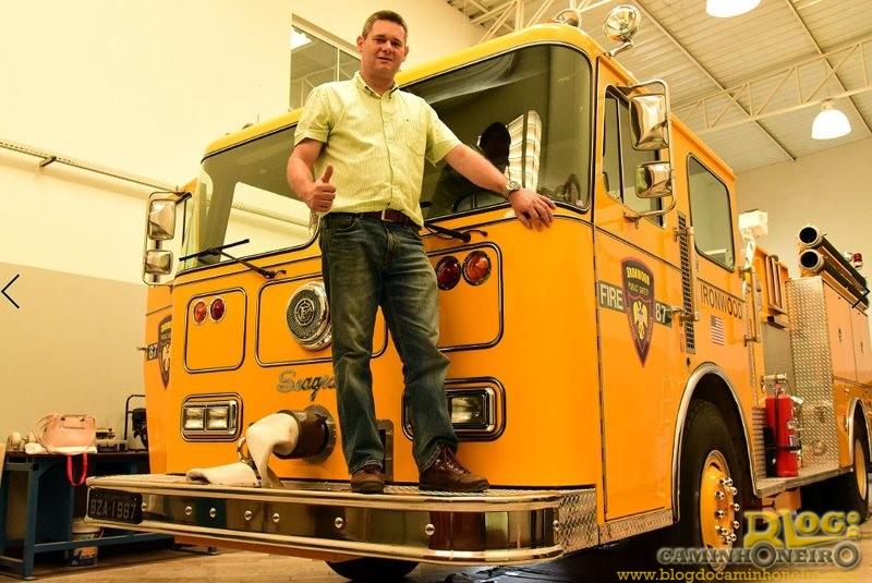 Colecionador de caminhões raros de Santa Bárbara guarda relíquia que atuou no 11 de setembro