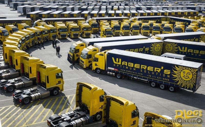 Empresas de transporte da Europa expandem as buscas por motoristas