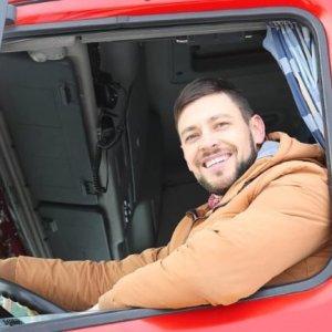 Produtora de vídeo seleciona caminhoneiros para comercial