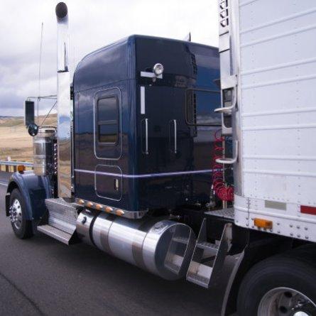 Falta de caminhões faz salários de caminhoneiros dispararem nos Estados Unidos