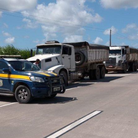 PRF flagra 8 veículos de carga com mais de 100 toneladas de excesso de peso em Alagoas