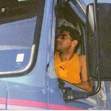 Maradona teve até um Scania 113H entre seus veículos