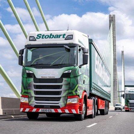 Transportadoras do Reino Unido compram 2.250 caminhões Scania em único pedido