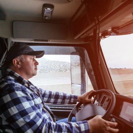 Motorista profissional tem até 12 de maio para fazer o exame toxicológico intermediário