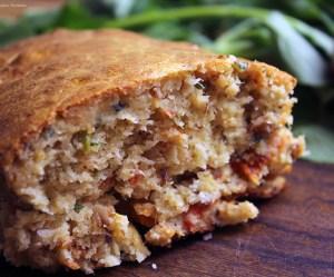 Torta de sardinha com tomate seco
