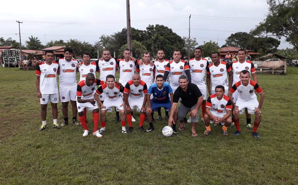 Torneio de futebol beneficente reúne centenas de participantes no povoado Bom Viver/Pinheiro