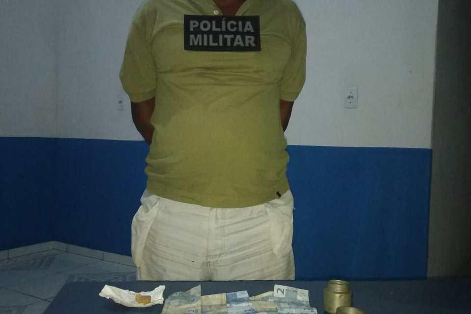 Homem é preso com mais de 60 pedras de crack no povoado Outeiro município de Cedral-MA
